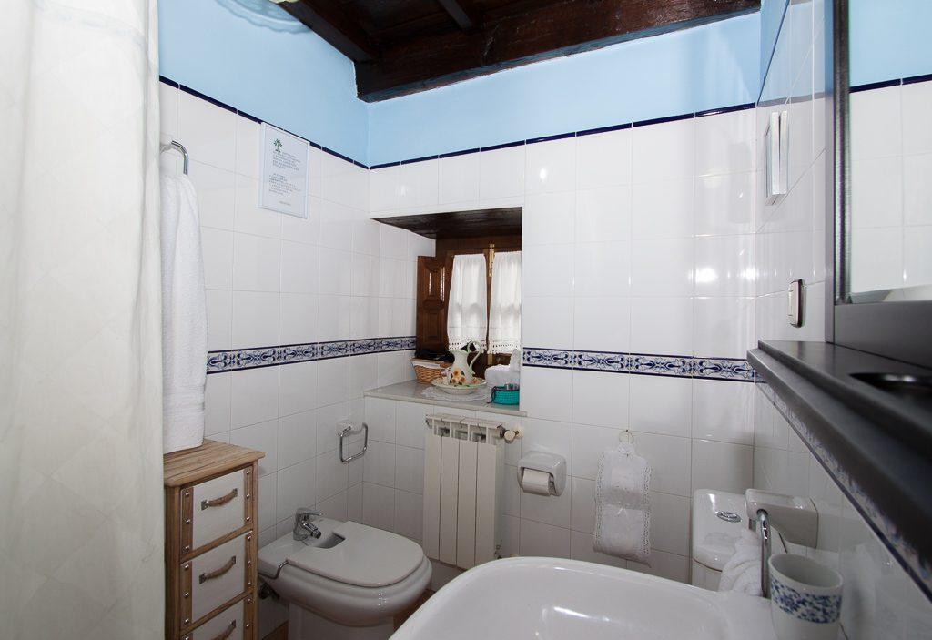 Baño9 compartido de la planta de arriba