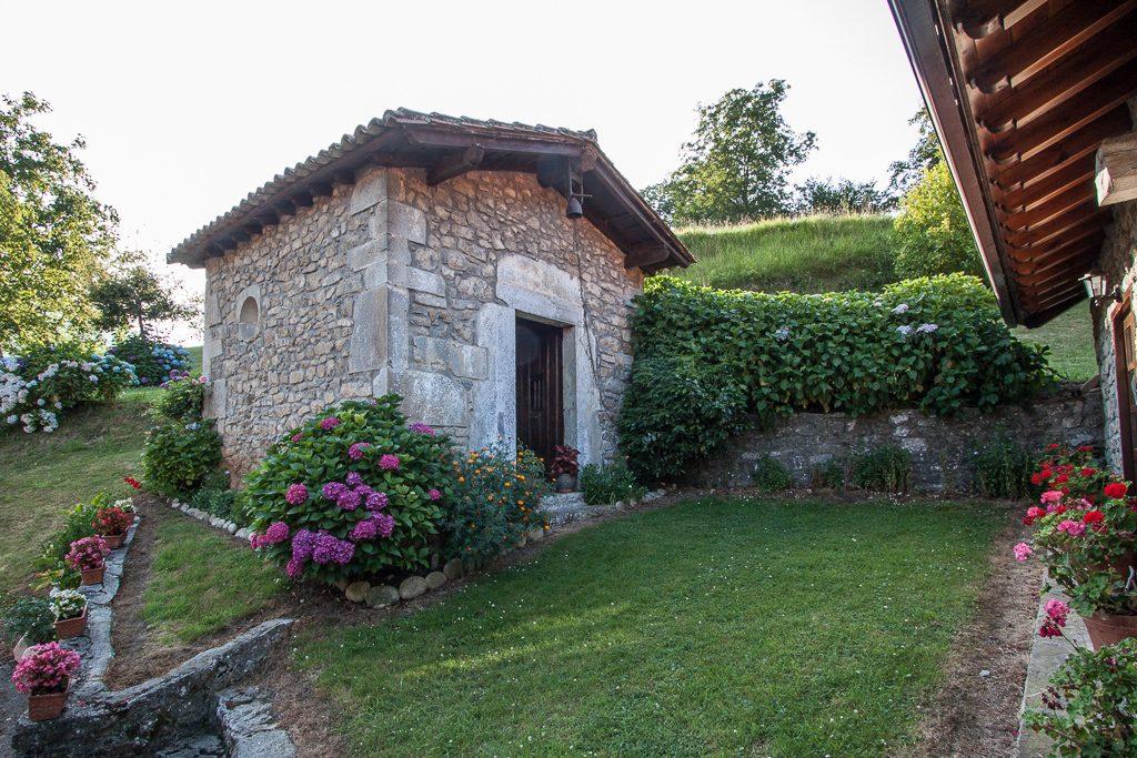 casa-rural-caserio-san-pedro-i-capilla-1