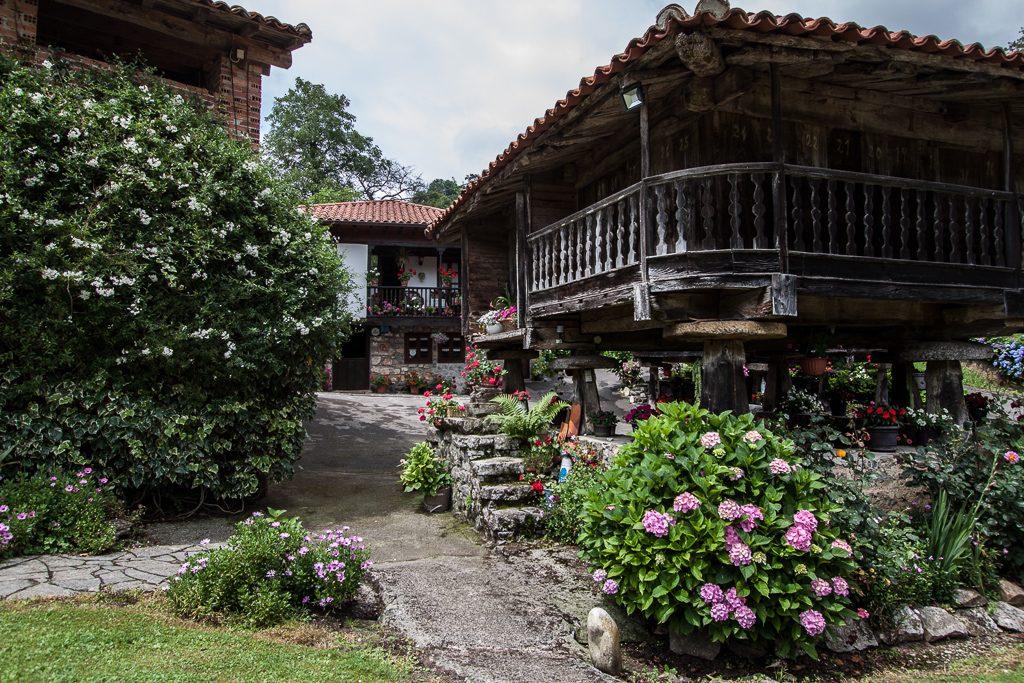 casa-rural-caserio-san-pedro-i-desde-horreo-1