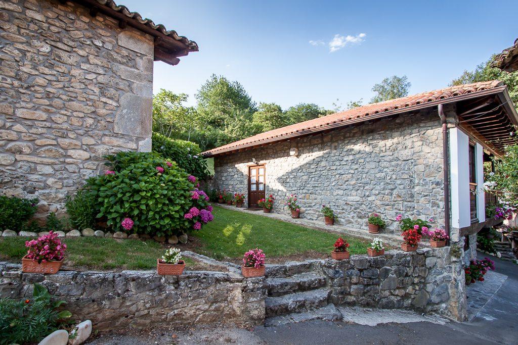 casa-rural-caserio-san-pedro-i-y-capilla-san-pedro-1