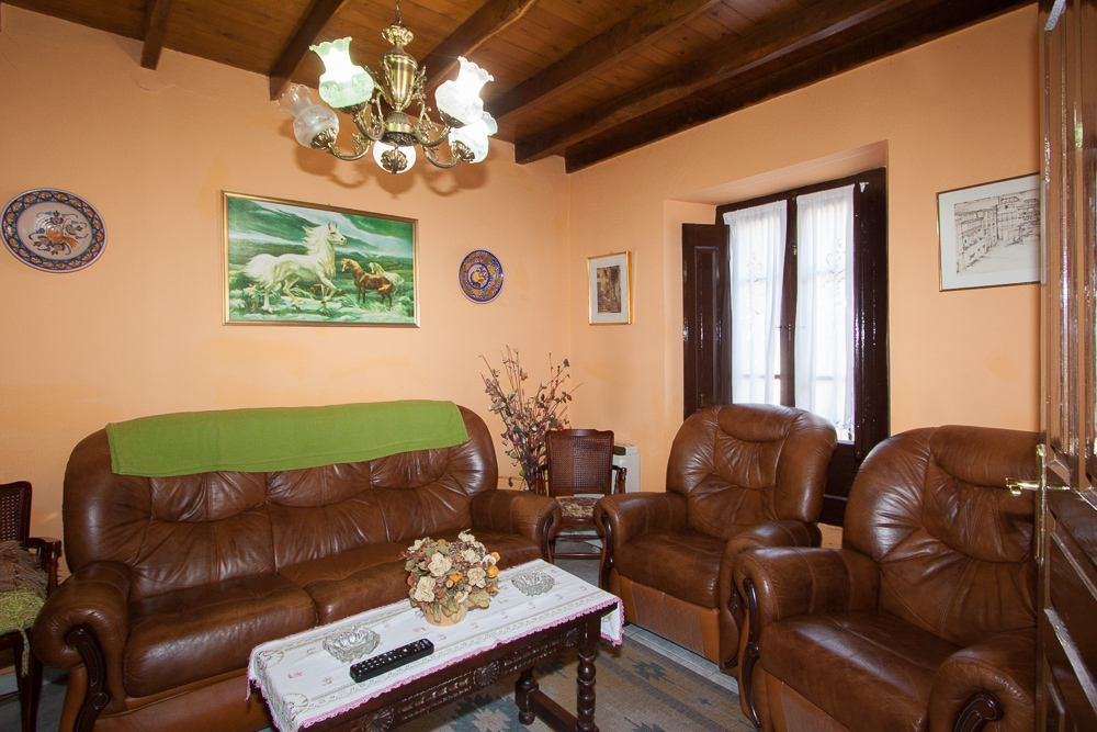 casa-rural-del-cuetu-dormitorio-salon-5795