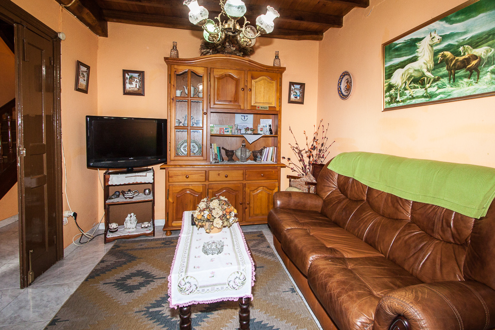 casa-rural-del-cuetu-dormitorio-salon-5797