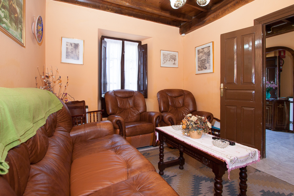 casa-rural-del-cuetu-dormitorio-salon-5801